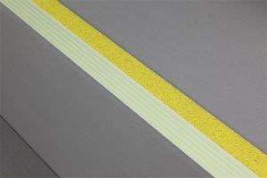 Ecoglo E4051 photoluminescent Contrast Strip